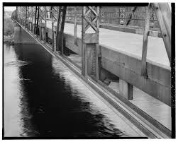 Spanning Trunk State Melrose Bridge 108 River At Highway Black 5qBqxpw