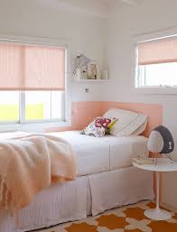 How cool are some of these corner headboard ideas? I threw in some daybeds  as well so that no one feels left out!