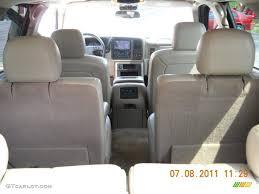 Tan/Neutral Interior 2005 Chevrolet Tahoe Z71 4x4 Photo #51492601 ...