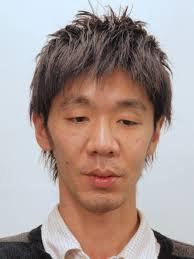 硬い多い直毛のためのミディアムヘア メンズ上尾美容室ブルー