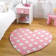 pink heart shaped rug 90 x 90 cm