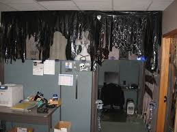 halloween office ideas. good idea for using black trash bags to decorate with halloween cubiclehalloween officehalloween office ideas