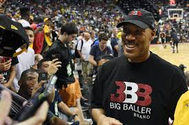 Trump\u0027s war with LaVar Ball, basketball\u0027s most famous stage dad ...