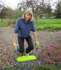 garden kneeler 2 you ve probably noticed the circular handles by now right well those are ergonomically designed to make it easier on your wrists