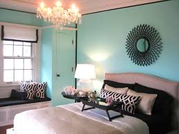 i love tiffany blue wall paint! painted my bedroom tiffany blue in december  :]