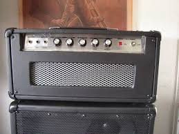 picture of enclosure for an electric guitar amplifier
