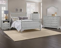 Cottage Bedroom Set by Vaughan-Bassett