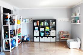 Fantastic tips and tricks for getting organized when you live in a small  space! Click