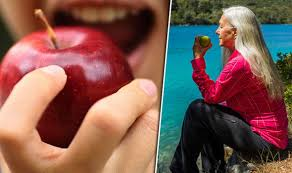 Apples are covered in toxic pesticides: Baking soda removes most ...