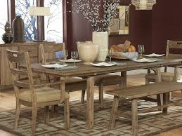 Panca Per Sala Da Pranzo : Mobili in legno naturale eccezionale nella rustica sala da pranzo