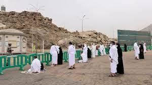 حجاج يصعدون إلى جبل عرفات قرب مكة في ذروة حج العصر الوبائي   اخبار العالم –  المشرق نيوز