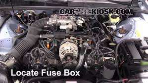 replace a fuse 1990 1997 ford thunderbird 1997 ford thunderbird locate engine fuse box and remove cover