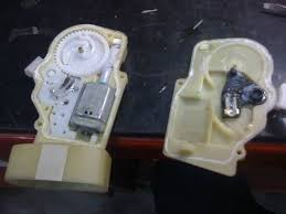 diy how to fix door lock actuator pictures org now that you have it open its time for a wtf moment because there isn t much to the actuator at all and you go scratching your head as to why toyota