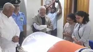 அனந்த குமாரின் உடலுக்கு பிரதமர் மோடி நேரில் அஞ்சலி