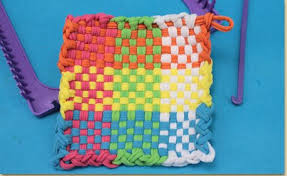 Potholder Loom Patterns Adorable How To Use A Weaving Loom To Make A Potholder Craft Project Ideas