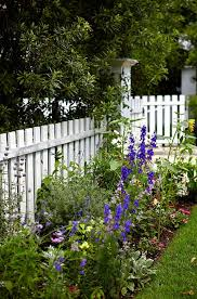 here s 12 picket fence ideas that will amp up your home s curb appeal