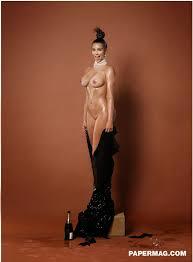 Kim Kardashian Break The Internet Naked Photos In Paper Magazine.