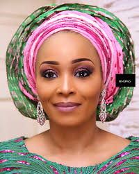 how to make it as a successful makeup artist in nigeria 10 easy steps