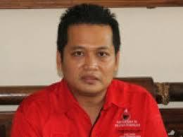 Ketua DPC PDIP Jembrana I Made Kembang Hartawan yang memastikan diri sebagai komandan tempur bagi Caleg PDIP Jembrana dalam perhelatan Pileg 2014 membuat ... - 60pelatihancaleg