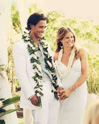 A Traditional Hawaiian Wedding In Maui Martha Stewart Weddings