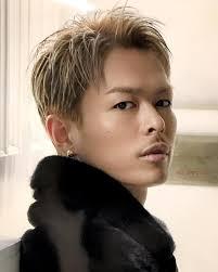 Miimaryu Miwa 金髪の時は黒髪が見たくて 短