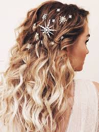 Easy Ways To Style Your Hair For Every Christmas Party This Year