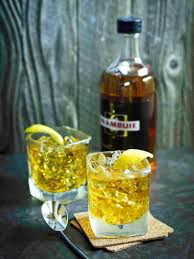 rusty nail l with lemon l garnish