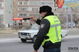 полицейская служба будет охранять общественный порядок и  Местная полицейская служба будет охранять общественный порядок и отчитываться перед населением и депутатами