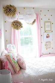 Girl's Room Decorated in Pink & Gold