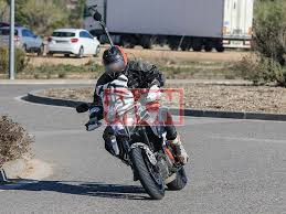 2018 ktm 690 duke. fine ktm updated ktm super duke gt spotted during tests in 2018 ktm 690 duke