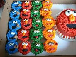 Elmo Smash Cake With Sesame Street Cupcakes Cakecentralcom