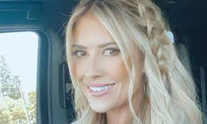 Flip or Flop's Christina Haack wows in ...