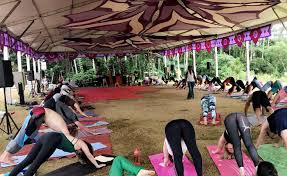 2017 bali retreat with luxury yoga retreats