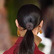 Важные акценты: самые актуальные аксессуары для волос | My ...