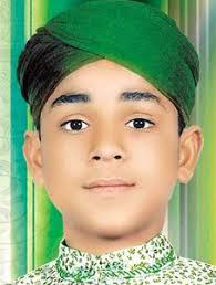 Farhan Ali Qadri. This young, amazing, talented, superstar Naat khawan 'Farhan Ali Qadri' is well known in every corner of the world, for his melodious ... - farhan_ali_qadri_11