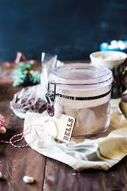 learn how to whip together a big jar of hot chocolate cake mix perfect for