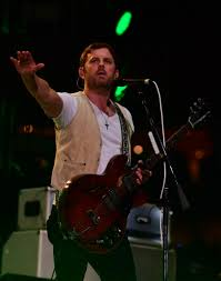 Kings of Leon Pay Tribute to George Strait, Bring Serious Sex Talk ...