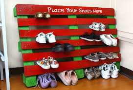 How To Make A Shoe Rack How To Make A Shoe Rack Out Of A Pallet 7 Steps With Pictures