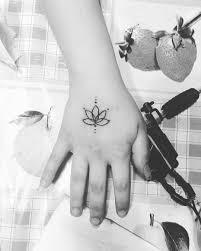 Fiore Di Loto Tatuaggio Significato Immagini Tatuaggi Guida Completa