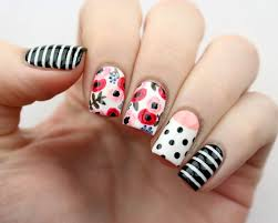 Easy Floral Nail Designs Cute And Easy Floral Nail Arts Design 32 Floral Nail Art