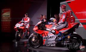 All the information, previews, programmes, images of ducati riders and motorcycles that participate in the motogp world championship. Motogp Ducati Reveals Red White And Grey Desmosedici Visordown