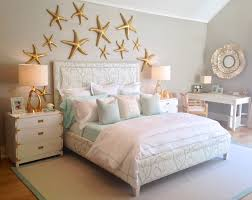 under-the-sea-themed-bedroom-with-a-coral-print-upholstered-bed