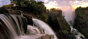 A victoria falls travel guide packed with info and facts on everything victoria falls and more. Victoria Falls Location How To Get There Tourradar