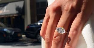 The 26 Best <b>Vintage Engagement Rings</b>—and Where to Shop | Who ...