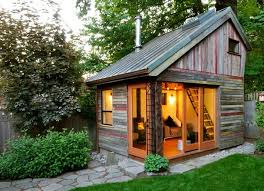 Brilliant Living In A Tiny House Tinyhomesinbackyard And Inspiration Decorating