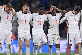 """بعد تعرض بعض لاعبي """"الأسود الثلاثة"""" لإساءة عنصرية.. الاتحاد الإنجليزي يرد -  RT Arabic"""