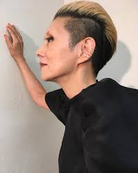 夏木マリの髪型まとめ刈り上げやショートでかっこいい個性派女性に