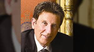 detroit tigers red wings owner mike ilitch dies at age