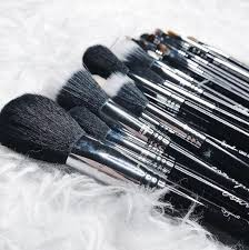 10 essential makeup brushes for every