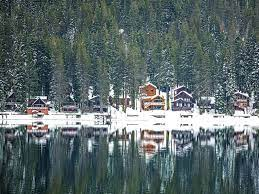 It has traffic and more restaurants and hotels and attractions than the other lake towns. 17 Magical Things To Do In Lake Tahoe In Winter For Non Skiers California Crossroads